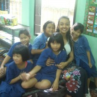Taz with her students